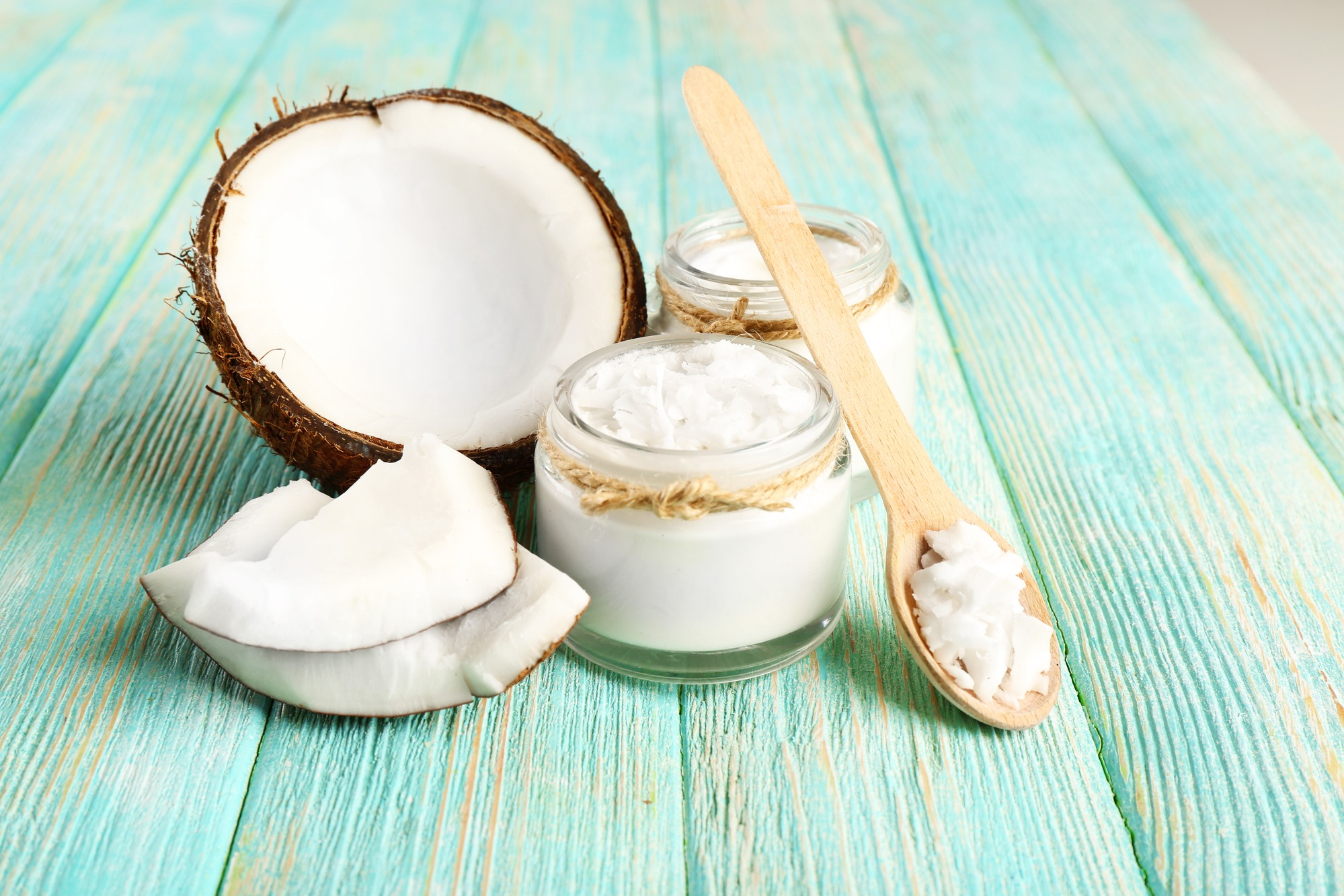 cleaning makeup brushes with coconut oil